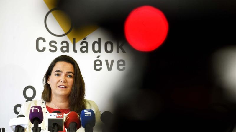 Az Emberi Erőforrások Minisztériumának család- és ifjúságügyért felelős államtitkára, Novák Katalin. Fotó: MTI/Bruzák Noémi