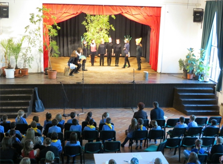 balatonboglár színjátszó csoport