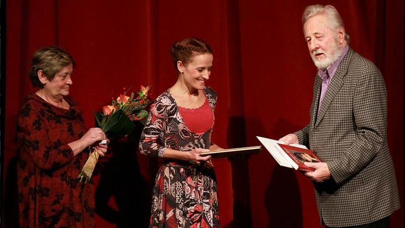 Nyári Szilvia a Domján Edit-díjat vette át 2014-ben