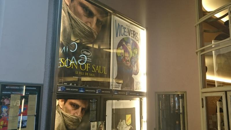 A Saul fia című film plakátja egy brüsszeli mozi előterében