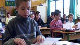 Stickel: Át kell alakítani az oktatási szerkezetet