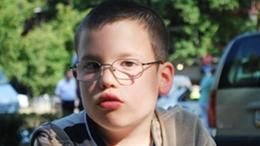 Jótékonysági árverés a 8 éves Kalmár Péter javára