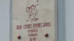 Emléktáblát avattak Juan Gyenes fotóművész születésének 100 éves évfordulója alkalmából