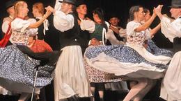 Kaposvár testvérvárosaiban táncolnak a Somogyosok