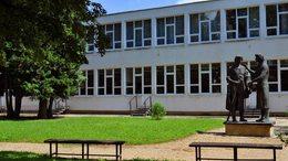 Nevekbe zárt történelem – 95 éves a Munkácsy Mihály Gimnázium