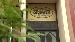 Jókezekben a Stühmer