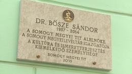 Emléktábla Bősze Sándornak