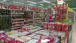 Az üzletek már karácsonyra készülnek