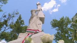 Nemzeti tragédiánkra emlékezik Kaposvár