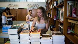 A következő tanévtől minden diák ingyen kapja a tankönyvet