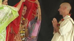 Tradicionális esküvő Krisna-völgyben