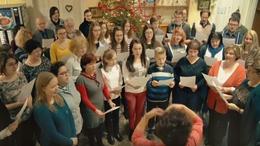 Dalolva kívánnak boldog karácsonyt a zeneiskolások