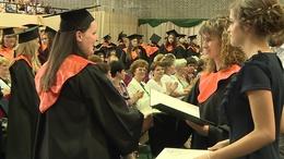 Diplomaosztó az egyetemen