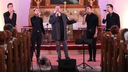 Énekelve megvallott hit