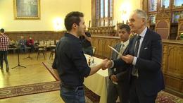 Ösztöndíj a jó tanuló roma fiataloknak