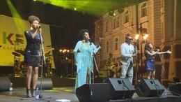 Több ezres tömeg énekelte a Boney M slágereket a Kossuth téren