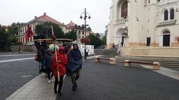Esőben indult el a gyalogos zarándoklat