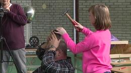 Diót tört kalapáccsal egy nagybajomi diák a tanára fején