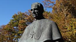 Márton Áron-szoborra gyűjtenek Kaposváron