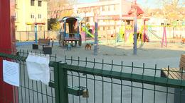 A szülők dönthetik el, hogy kinyissanak-e a játszóterek