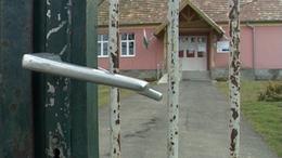 Irodalmárok fognak össze a niklai iskoláért
