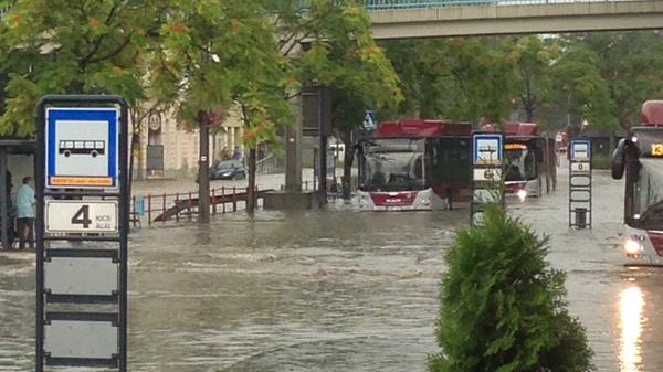 Ismerős jelenetek a Budai Nagy Antal utca környékén.