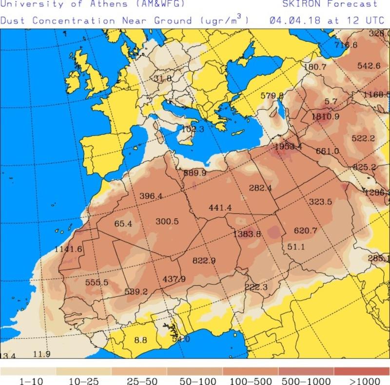 A Skiron modell által jelzett homok/por koncentráció emelkedése Közép-Európa légkörében.