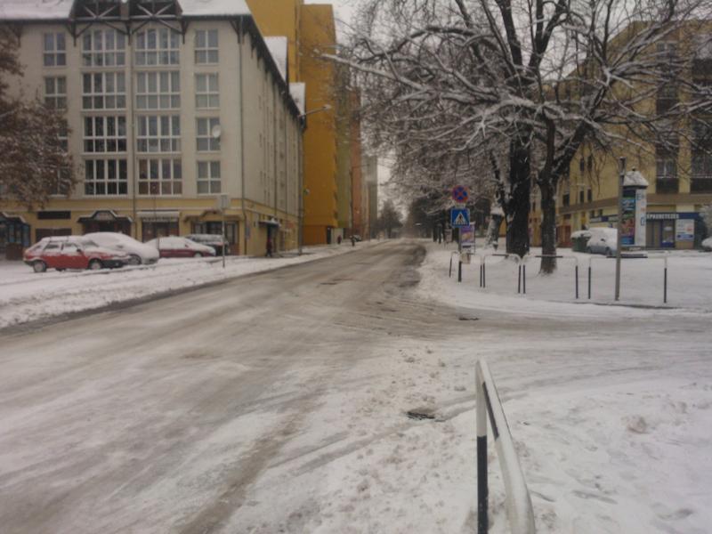 csúszik a honvéd utca