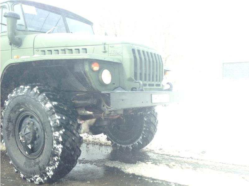 katonai jármű a hóban