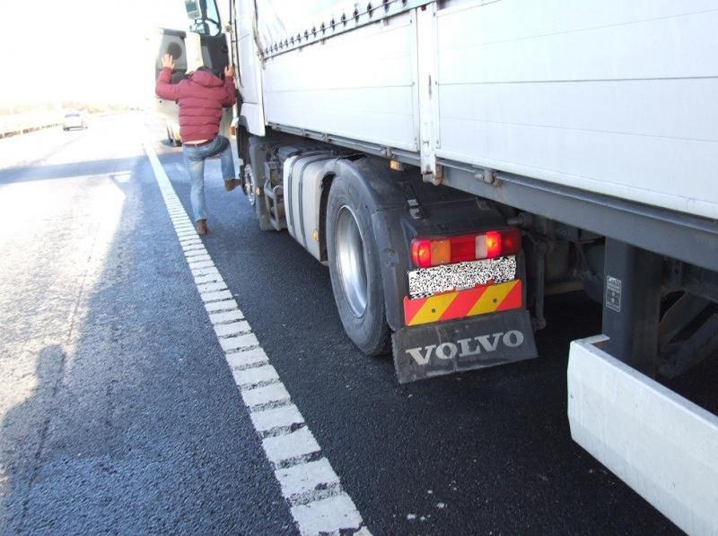 kamion sofőrrel