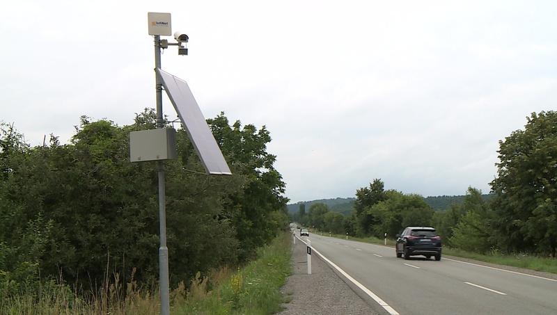A város bevezető útjait figyelő kamerák a rendszámok ellenőrzésére is képes