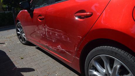Valaki csúnyán meghúzta ezt a kocsit