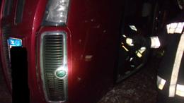 Megcsúszott és árokba csapódott az autó Jutánál