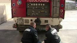 Rátámadtak a tűzoltókra Böhönyén
