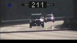 Rekorder gyorshajtó: 200 fölött száguldott az autópályán