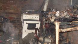 Oltás közben a tulajdonos is megégett