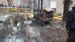 Gázvezetéktűz:két sérült,  több méteres lángok egy lakóépületnél - videóval!