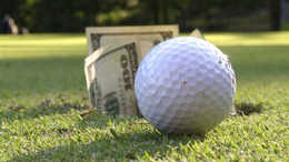 Vádat emelt az ügyészség: óriási panama a hencsei golfklubnál