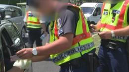 Kamuzott a rendőrnek a piás sofőr