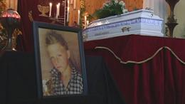 Videóval! Eltemették Szita Bencét - több ezren búcsúztatták