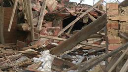Súlyos baleset: nem bírta a hó súlyát az épület