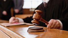 Gyorsított eljárásban büntették a cserbenhagyó rendőrnőt