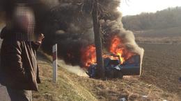 Tragédia a 67-esen: meghalt a fának csapódó autó idős sofőrje