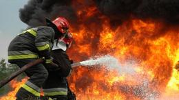 Castingolnak a tűzoltók