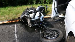 Az autós figyelmetlensége miatt halt meg a motoros