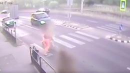 Durva videóval sokkolnak a zsaruk