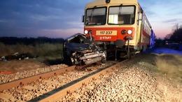 Vonattal ütközött egy autó Toponáron