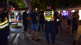 A Petőfi sétányon razziáztak a rendőrök