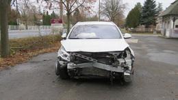 Bedrogozva tört össze három parkoló autót a 38 éves férfi