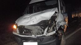Vaddal ütközött egy kisbusz a 61-esen